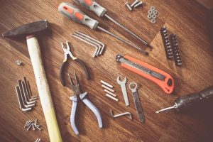 Werkzeug auf Boden