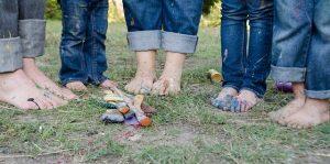 Familie Füsse mit Farbe
